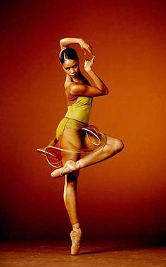 Aesha Ash ballet dancer. En pointe. Your Body is a Wonderland http://www.pinterest.com/wineinajug/your-body-is-a-wonderland/