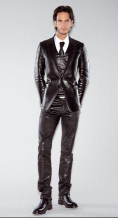 Beautiful suit!