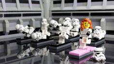 Stormtrooper Yoga Since instructor Nikola Galloway started teaching Yoga, volunteer enrollment has nearly tripled among Stormtroopers. Lego Star Wars, Star Wars Art, Lego Krieg, Legos, Lego Humor, Aniversario Star Wars, Minions, Lego Sports, Lego Stormtrooper