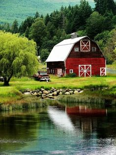 Old farm, farm animals, sweet country living Country Barns, Country Life, Country Living, Country Roads, The Farm, Barn Pictures, Barns Sheds, Farm Barn, Red Barns