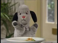 Sweep has eaten all of his food ! Vintage Tv, Back In The Day, Childhood Memories, Fun Stuff, Bears, Nostalgia, Icons, Friends, Cute
