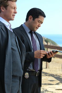 """Simon Baker and Tim Kang in """"The Mentalist"""" from """"If It Bleeds, It Leads"""""""