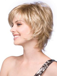 wispy short bob haircuts for fine hair Short Shag Hairstyles, Bob Hairstyles For Fine Hair, Short Bob Haircuts, Feathered Hairstyles, Short Hairstyles For Women, Cool Hairstyles, Layered Hairstyles, Trending Hairstyles, Hairstyle Ideas