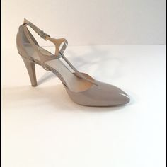 """Franco Sarto Nude Pumps Excellent condition. Barely noticeable normal wear and tear scuffs. Size 8.5M. T strap, Glossy faux patent leather details a pointed toe pump set on a sturdy heel of approx 4"""". 15% off two items or more.  Trades  PP. Reasonable offers always welcome Free shipping with orders over $75  FREE gift  with purchase (any one $10 or under item from my closet) Franco Sarto Shoes Heels"""
