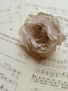 Vintage Sheet Music Paper / Notenblätter by AnnKayDesign on Etsy, €5.00  I love anything vintage