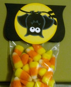 Stampin' Up!  Owl Punch  Rebecca Cavanaugh  Halloween Bat                                                                                                                                                     Mehr