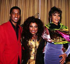 "Kenneth "" Babyface Edmonds "" Chaka Khan, and Whitney Houston "" What a great photo "" 🎼🎼🎤🎤🎤"