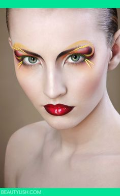 Creative makeup!  Stunning eyes. Cassie M. You need to try this! :)
