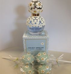 Check out our adorable Daisy Dream cake pops!