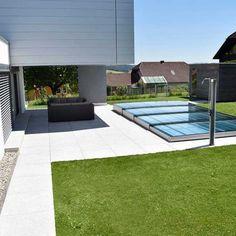 U3270-ueberdachung-flach-ev2-02 Pool Spa, Moderne Pools, Pool Enclosures, Outdoor Tiles, Plunge Pool, Modern Landscaping, Pool Designs, Tile Patterns, Deck