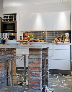 I can use the red bricks to make legs for my breakfast bar :o)