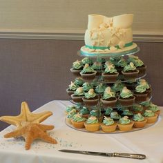 Vintage and Cake: A seaside wedding