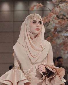 51 Ideas bridal hijab ideas muslim brides for 2019 Muslim Wedding Gown, Muslimah Wedding Dress, Muslim Wedding Dresses, Muslim Brides, Couture Wedding Gowns, Muslim Dress, Wedding Veils, Muslim Couples, Wedding Abaya
