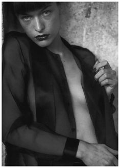 Milla Jovovich by Peter Lindbergh.. www.fashion.net