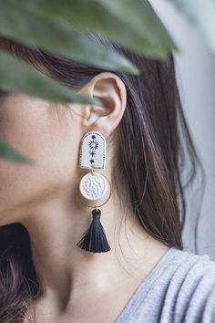 ✋Tassel Handmade and handpainted statement earrings.✋ Very lightweight due to chosen materials, perfect for every occasion. Artwork in each done by us :) Each earring pair is packed in a branded box and shipped within another post box for safety. All pieces are unique so they may