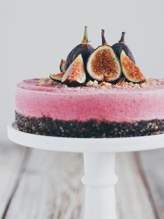 Raw fig cheesecake - Dairy free, gluten free, and refined sugar free