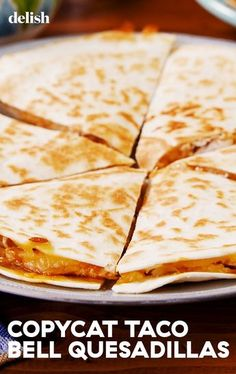 quesadilla recipes These Copycat Taco Bell Quesadillas Are Ridiculously Spot-OnDelish Taco Bell Recipes, Mexican Food Recipes, Dinner Recipes, Breakfast Quesadilla, Cooking Recipes, Healthy Recipes, Healthy Foods, Cooking Fish, Cooking Games