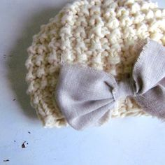 knit baby girls hat, newborn photo prop, knit baby hat with bow, by Sweet Baby Dolly on Etsy Baby Girl Hats, Girl With Hat, Baby Girls, Baby Hats Knitting, Knitted Hats, Crochet Hats, Newborn Photo Props, Newborn Photos, Cute Hats