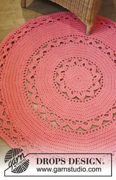"""DROPS Design 147-16 """"Edith"""" doily rug, free pattern with two sizes given.  Uses aran 10-ply yarn & hook size 'L'  #crochet"""