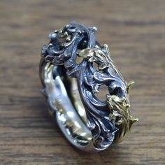 Gothic Ringdelicate hand carving925Solid by ShamblesNagoya on Etsy