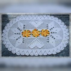 ♥ Venha aprender a confeccionar lindas peças em crochê com videoaulas gratuitas!!!! ♥ www.youtube.com/c/RoseRagazzonCroche #crochet #croche #crochê #DIY #tapete #barbante #videoaula #tutorial #instacrochet #instadiy #instacrochê #RoseRagazzon #handmade #artesanato #pap #passoapasso #TextilSãoJoão #JokaNovelos #projetoAV Filet Crochet, Crochet Doilies, Knit Crochet, Crochet Home, Home Decor Bedroom, Diy And Crafts, Crochet Patterns, Rugs, Knitting