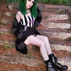 🖤 A tim burton film 🖤 top and shoes from 🖤🖤🖤 . Alternative Girls, Alternative Outfits, Alternative Fashion, Punk Rock Fashion, Gothic Fashion, Tim Burton, Current Mood Clothing, Arctic Fox Hair Color, Goth Model