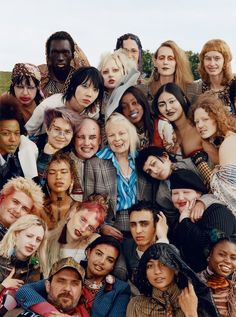 Youth and pop culture provocateurs since Fearless fashion, music, art, film, politics and ideas from today's bleeding edge. Photo Trop Belle, Pretty People, Beautiful People, Group Poses, Shoot The Moon, Youth Culture, We Are The World, Vivienne Westwood, Character Inspiration