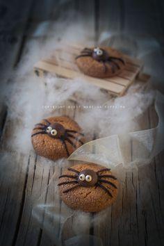 Biscotti di Halloween con ragnetti