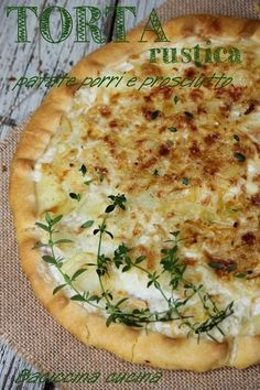 Torta rustica patate porro e prosciutto Quiches, I Love Food, Good Food, Yummy Food, Antipasto, Cooking Recipes, Healthy Recipes, Italian Recipes, Food Porn