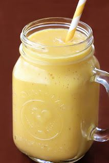 Weight-loss Smoothie: fresh ginger, oranges, lemon/lime, banana, apples, pineapple, cinnamon, ice cubes