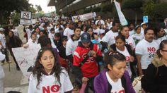 Cientos de personas marchan por el Estado laico y contra homofobia en México