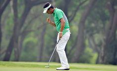 Lin Wen Tang (TPE) reacts after making a putt on Day 1 Golf Tour, Putt Putt, Soccer, Tours, Sports, Hs Football, Hs Sports, Futbol, Miniature Golf