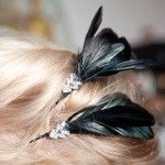 FEATHER HAIR PIN DIY - https://www.trinketsinbloom.com/feather-hair-pin-diy/