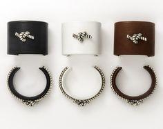 Les manchettes et bracelets bondage de Pascale Renaux