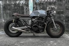 caferacerpasion.com  Honda CBX750F #CafeRacer by Half Caste Creations [TAGS] #caferacerpasion‬ #honda #caferacerofinstagram‬ #caferacerxxx‬ #caferacergram‬ #caferacerculture‬