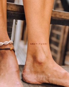 100 Hidden Tattoo Ideas Whether it's to hide from work or your parents, these 100 hidden tattoo ideas are so discreet, no one will know you have them. The post 100 Hidden Tattoo Ideas appeared first on Welcome! Tiny Tattoos For Girls, Cute Tiny Tattoos, Dainty Tattoos, Beautiful Tattoos, Girly Tattoos, Tattoos For Parents, Tiny Foot Tattoos, Parent Tattoos, Incredible Tattoos