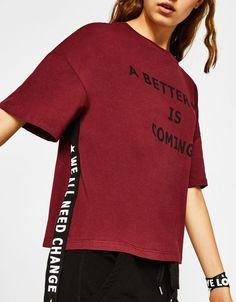 Camiseta con tiras laterales - Novedades - Bershka España