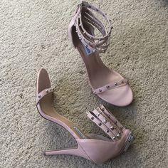 Steve Madden blush sandals 9.5 Brand new Steve Madden Shoes