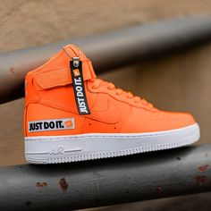 new @nike W Air Force 1 High LX LTHR in blazing orange with JDI details just arrived. Available now, instore & online on suppastore.com Orange Sneakers, Girls Sneakers, Sneakers Fashion, Shoes Sneakers, Nike Air Orange, Nike Air Force High, New Nike Air, Cute Shoes, Adidas