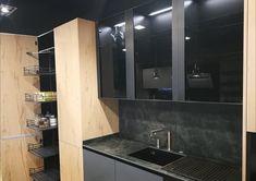 Durante las Navidades hemos estado trabajando en nuestro showroom. Cambiando alguna exposición para traer las últimas novedades del sector. Aún tenemos que hacer más cambios, que se harán en breve, pero os vamos adelantando algunos detalles de la nueva exposición. Esperamos que os guste. Office Hogar. C/ Fco.Vitoria 15. Zaragoza Bathroom Lighting, Mirror, Furniture, Home Decor, Zaragoza, Lets Go, Blue Prints, Bathroom Light Fittings, Bathroom Vanity Lighting