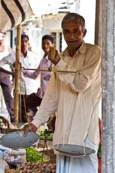 Bangladesh – Village, Salesman