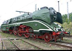 RailPictures.Net Photo: 18 201 Deutsche Reichsbahn Steam 4-6-2 at Berlin, Germany by J Neu, Berlin By Train, Train Tracks, Choo Choo Train, Railway Museum, Rail Car, Old Trains, Train Pictures, Train Engines, Steam Engine