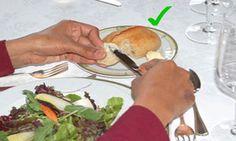 The art of living well Etiquette Classes, Dining Etiquette, Comment Dresser Une Table, Ettiquette For A Lady, Coffee Bar Party, Etiquette And Manners, Dinner Party Table, Table Manners, Act Like A Lady