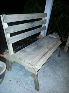 Patio furniture we made from reclaimed pallet wood