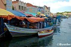 Floating market punda, Willemstad, Curacao