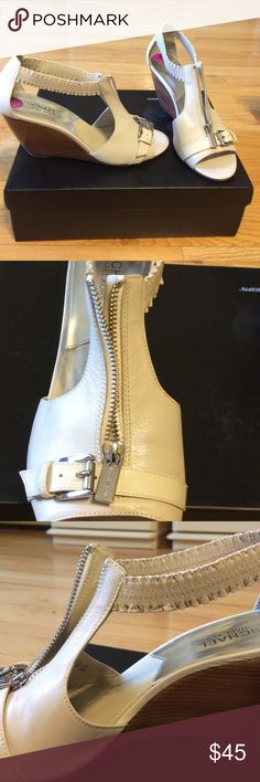 MICHAEL Michael Kors Wedge Sandal - Size 8.5 Beige leather and patent leather straps. Silver metal details. Zip up. Buckle detail. Wooden wedge. Size 8.5 MICHAEL Michael Kors Shoes Wedges