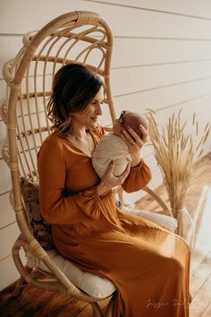 and all of a sudden life feels complete What To Wear Fall, Julia, Newborn Session, Family Portraits, Newborn Photography, Feelings, Studio, Couple Photos, Inspiration