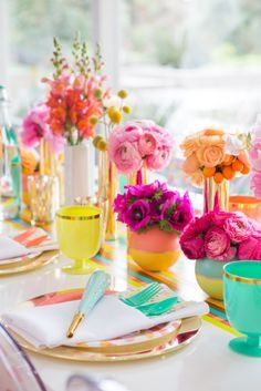 Happy and Chic Table Setting