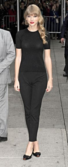 Taylor Swift  l  All Black & Red Lipstick and Nail Polish