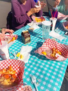 Lobster Rolls from a Food Cart?  That's a big fat buttery yes when it's Maine St. Lobster Co. in SE Portland.  Would it be indecent to get more than one?  YES